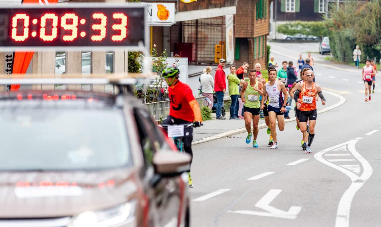 marathon-sarnen-mit-auto-1338x800